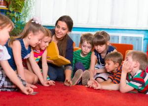 Mit HG-Lights® wird die Belastung der Raumluft durch Viren und Keimen in Kindergärten und Schulen reduziert.